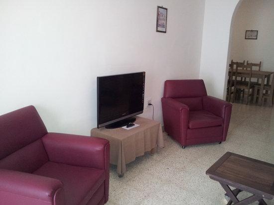 Falcon Court : Living Area