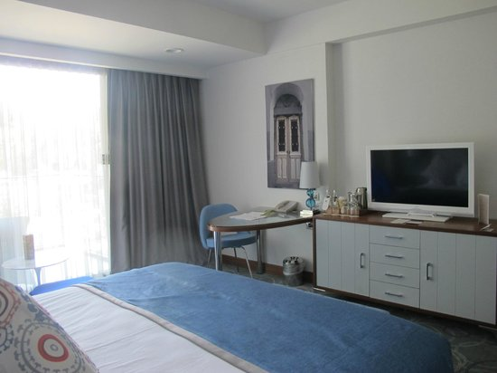 DoubleTree by Hilton Hotel Kusadasi: Room
