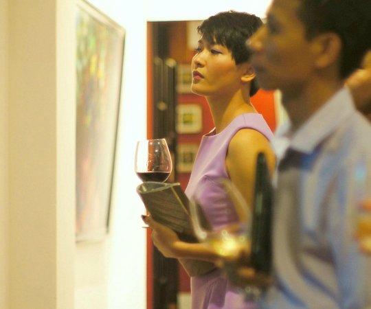 Bluebird Wine Cellar & Restaurant: Our customers