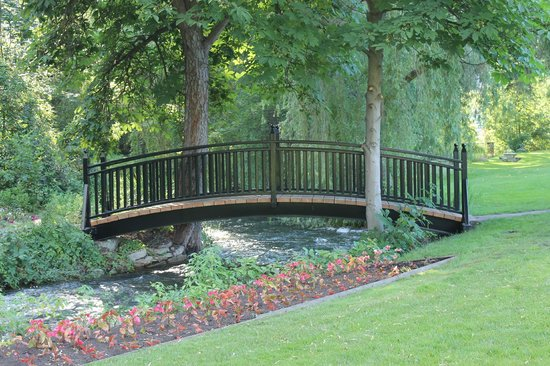 Polson Park: bridge at the park