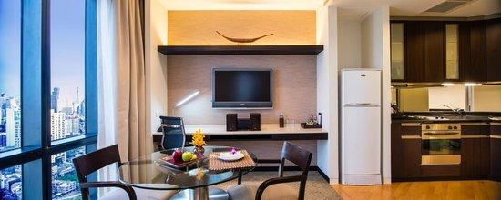 Emporium Suites by Chatrium: Living area - Superior Room 55 sqm