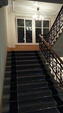 Hotel Vitznauerhof: Historisch erhaltene Treppenhäuser