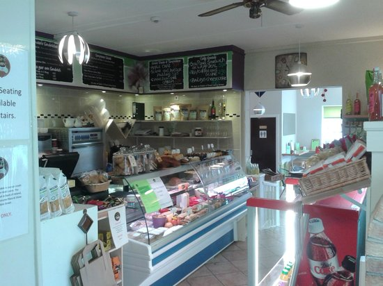 Beans & Leaves : Deli area