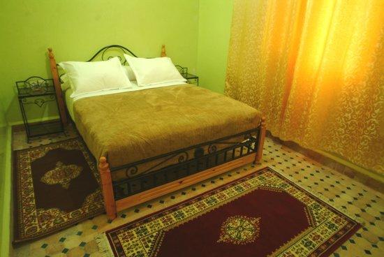 dit is een van de schone kamers van hotel marmar