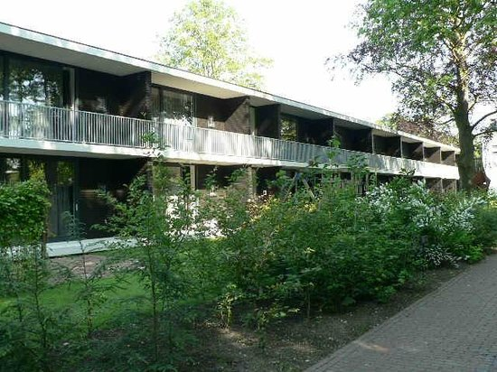 Hotel & Restaurant Lunia: zicht op gebouw