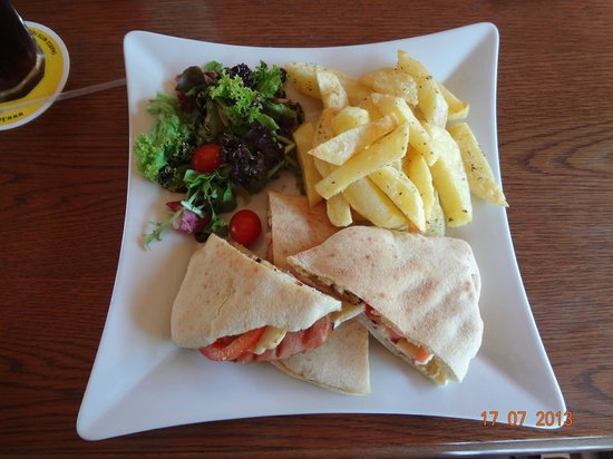 The New Horizon Pub: Cypriot Sandwich