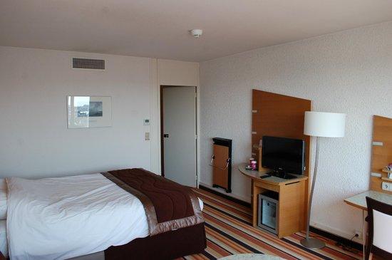 Mercure Orléans Centre : Nice ample room