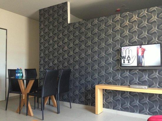 Hillel 11 : living room