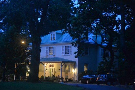 Hostelling International - Chamounix Mansion: The mansion
