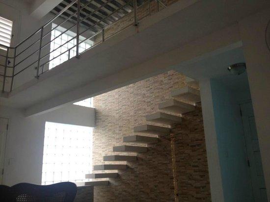 Scala di accesso al soppalco e al terrazzo - Foto di Bella Perla ...