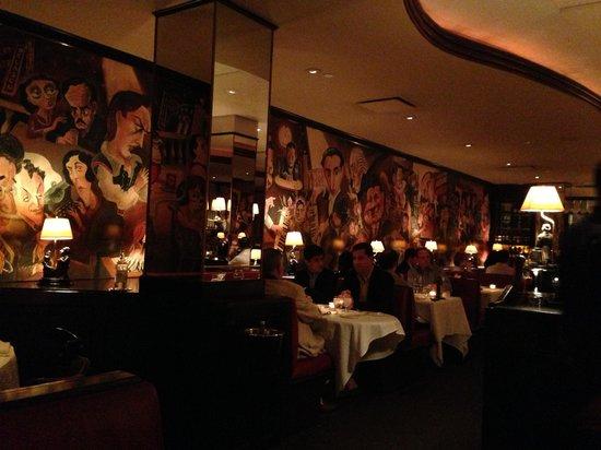 Monkey Bar: Great atmosphere