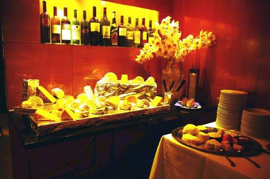 Theresia Gartenhotel: Käse & Wein