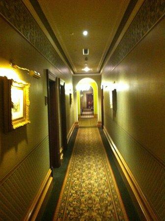 room view picture of craig 39 s royal hotel ballarat. Black Bedroom Furniture Sets. Home Design Ideas