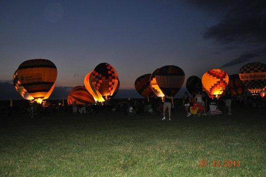 Bella Balloons Hot Air Balloon Co: Balloon Glow
