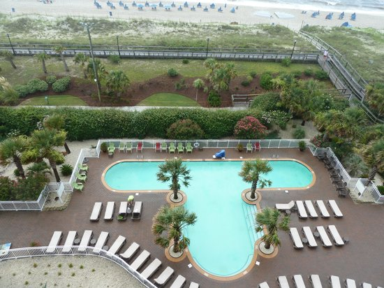 Courtyard Carolina Beach Oceanfront : View from balcony near center of hotel