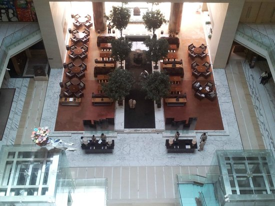 Hyatt Regency Chennai: lobby
