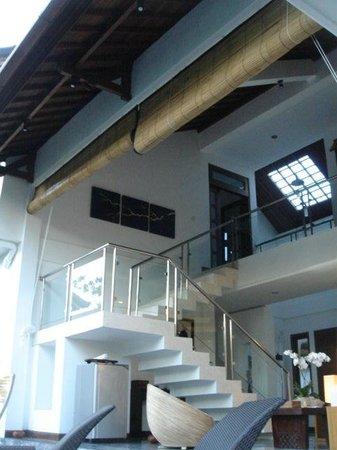 Villa Sancita: Contemporary Interior - stairs