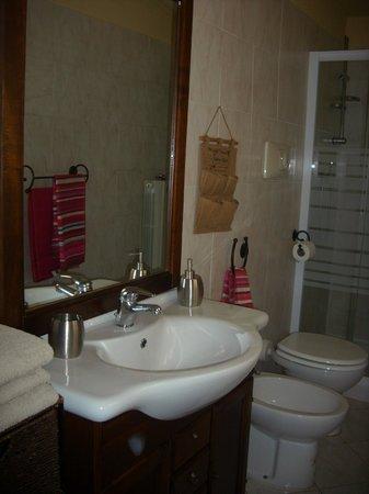 B&B La Corte : Bagno mini-appartamento
