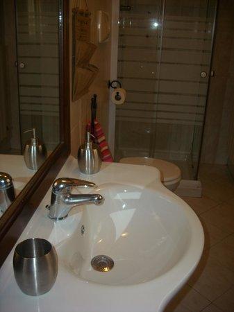 B&B La Corte: Bagno mini-appartamento