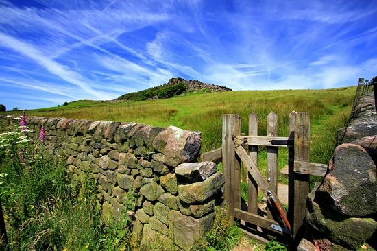 Three Horseshoes Country Inn & Spa: The nearby Roaches