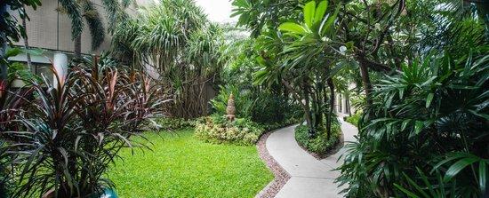 Emporium Suites by Chatrium: Garden