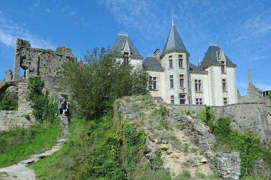 Bressuire, Frankreich: le château XIXe, au coeur de l'enceinte médiévale