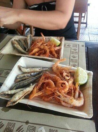La Pescheria: frittura alici e gamberi