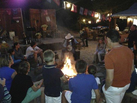 Tenaya Lodge at Yosemite: BBQ, banjo, s'mores, fire....good time for the kids!