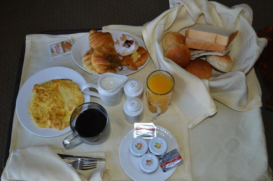 Ayass Hotel : Room Service Breakfast