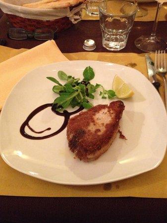 Cala La Pasta: trancio di tonno in crosta di pistacchio
