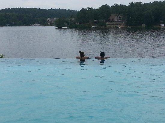 Wilderness Resort: Inifinity pool