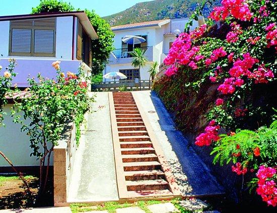 Residence Calavà Villa Rosa