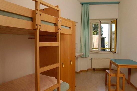 Jugendherberge Montreux: Mehrbettzimmer