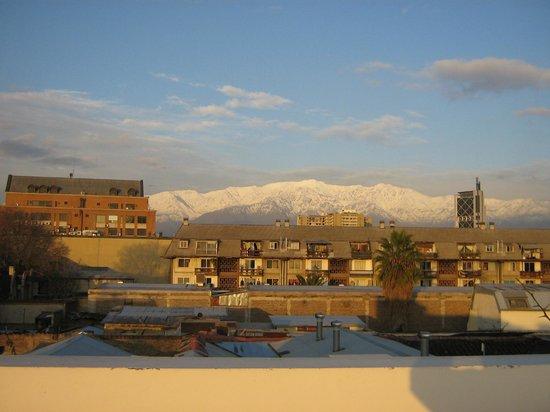 Hotel Loreto: Foto da cordilheira (linda)  tirada do terraço do hotel ao entardecer.