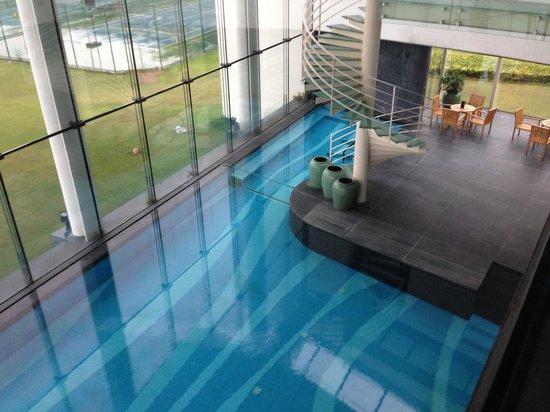 Nansha Grand Hotel: The indoor pool