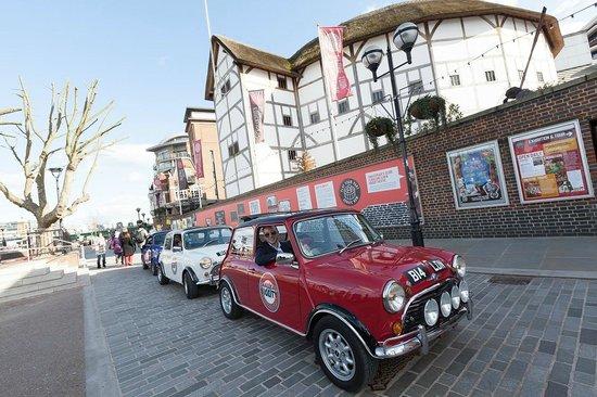 Small Car BIG CITY : smallcarBIGCITY outside the Globe Theatre