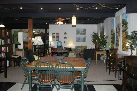 Cafe Artista: The dining room