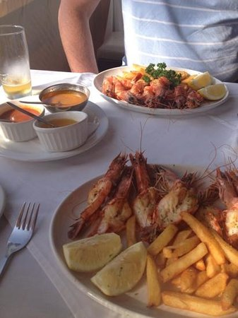 LORD PRAWN : 1kg queen prawns shared between two.