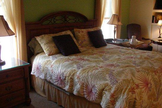 Market Street Inn: King Suite 9