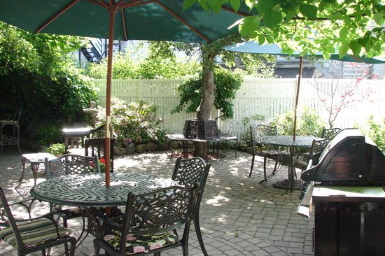 Market Street Inn : The Patio