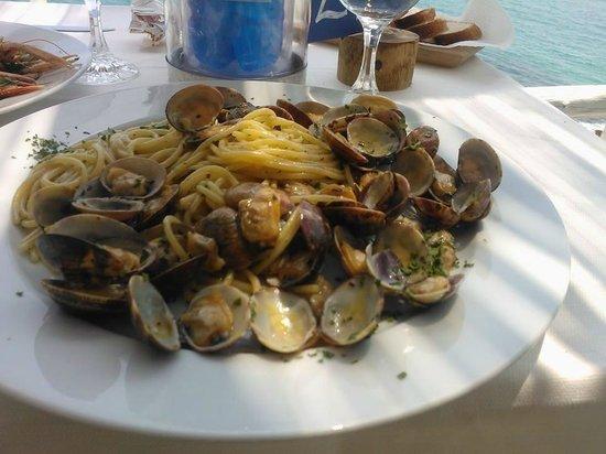Il Faro : spaghetti con le vongole