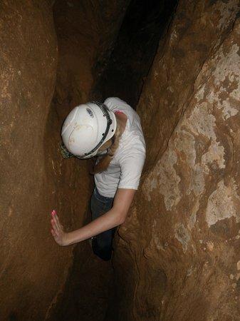 Sequoyah Caverns and Ellis Homestead: Tight squeeze wild adventure tour