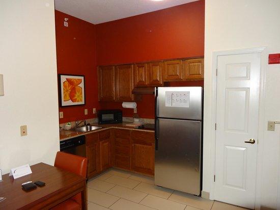 Residence Inn Orlando Convention Center: Cozinha