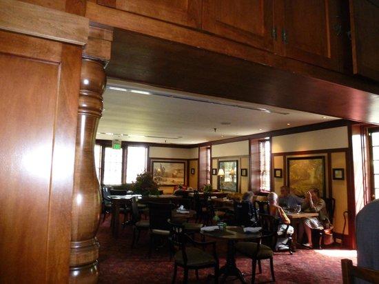 Bistro 1834 : View into Bistro Pub