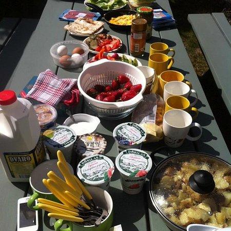 Provincija Guest House: Завтраки на улице