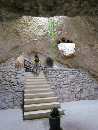 Monte Sant'Angelo, Italie : Grotte