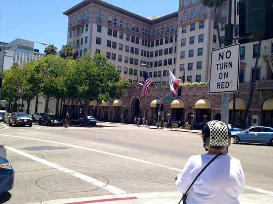 Another Side Of Los Angeles Tours : Beverly Wilshire Hotel