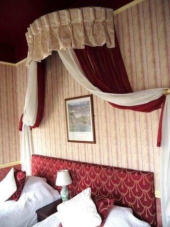 The Edward Hotel: ツインベッド