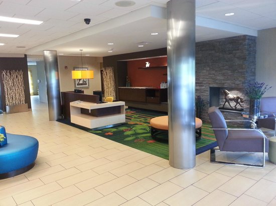 Fairfield Inn & Suites by Marriott Harrisburg West: Lobby