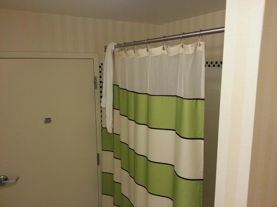 Fairfield Inn & Suites by Marriott Harrisburg West : Bathroom